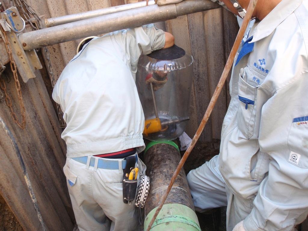 ガス漏出を最小限に抑える為ノーブロを用いる