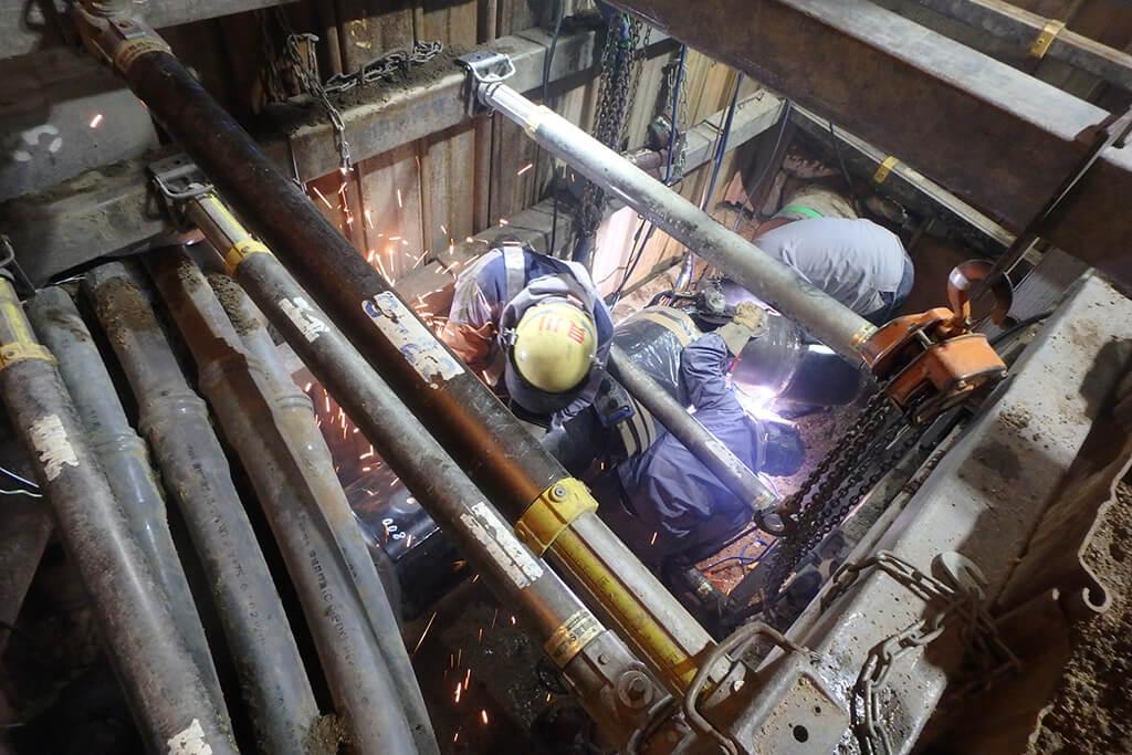ガス管連絡ツナギ溶接